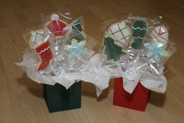 Christmas Cookie Bouquets Did these for my daughter's preschool teachers. NFSC with MMF. Found the containers at the dollar store!