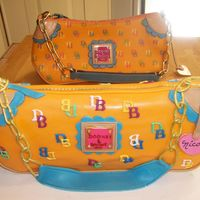 Dooney And Bourke Pocketbood