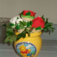 Mini Cupcake Centerpiece This is the mini cupcake centerpiece I made for my daughter's second birthday (Winnie The Pooh theme). The cupcakes are white almond...
