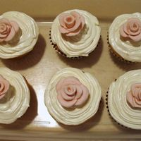 My First Cupcakes! w/ buttercream icing and MMF roses