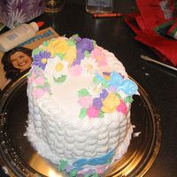 Flower Cake My flower/ basket weave class from the end of Wilton Course 2 made in march 2006.