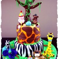 Jungle/ Safari Theme All animals made out of fondant, tree is gumpaste and RTK. tfl!