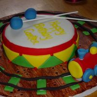 Side View Of Drum/train Cake