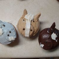"Horse Cupcakes  These are some cupcakes I made for an event my mom put on for her horse tack store. The ""bay"" horses are chocolate cake, the &..."