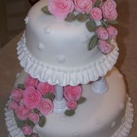 100_0429.jpg Course 3 final cake...first time with fondant