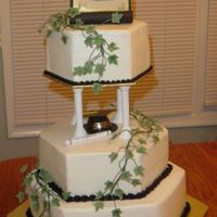 Graduation Cake With Fondant Ivy
