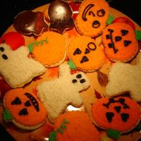 Halloween Cookies   These were halloween cookies made with Buttercream and some with sugar cookie icing.