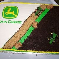 100_2327.jpg The John Deere Grooms cake I did