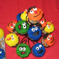 Sesame Street Cupcakes These cupcakes were inspired by a posting from bkrmama and I found the Ernie cupcakes on a Sesame Street site. I had these for my son'...