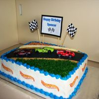 Racecar's Stadium Inspire by many great cakes here in CC.