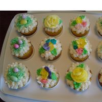 Easter Cupcakes Buttercream icing, royal icing flowers