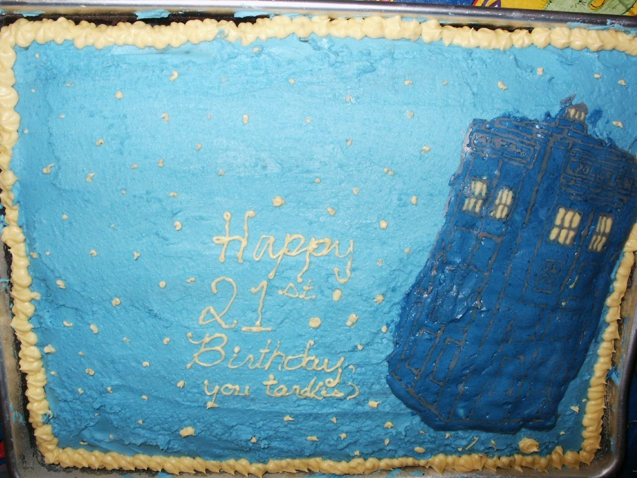 Lynsey's 21St For my best friend's 21st birthday, I made her a Dr.Who themed cake with a FBCT of a tardis (a police call box). It was slightly...