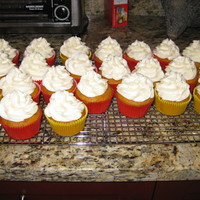 Pumpkin Cupcakes With Cream Cheese Icing Today I discovered icing tip 2D - I'm in love! I made the Moist Pumpkin Cake recipe by BakerDee1875 and iced the cuppies with cream...