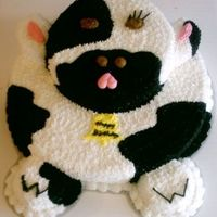 Cow Cake Made for a customer who loves cows. Took more time than I expected, but had fun doing it!