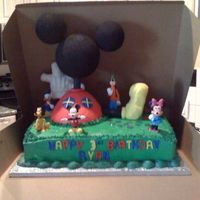 Mickey Mouse Clubhouse   Thank you Melody4me for all your help and inspiration. This was a really fun cake to make, I just need tons more RKT practice!!