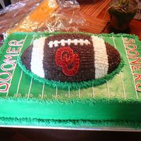 Ou Groom's Cake  This is the second groom's cake that I've made. It is a 2 layer chocolate cake with buttercream icing. I used Wilton's...