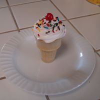Ice Cream Cone Cupcake totally easy and cute, but what a pain to try and transport! omg! :)~