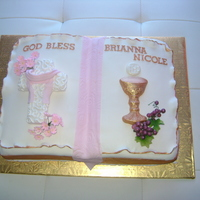 Brianna's Bible This was inspired by many of the beautiful bible cakes I have seen here. Thanks to all of you!