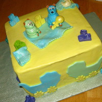 Baby Shower I had to do a baby shower for 2 moms at a local preschool. the bears and decorations are all MMF. Lemon cake with lemon curd and lemon...