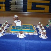 Kindergarten Graduation Teacher bear and little bears for my daughters graduation it was a HUGE hit!!!