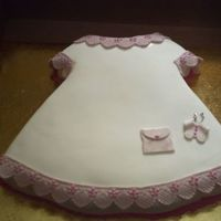 Dress Ponque decorado con pasta laminada.