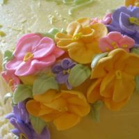 Hannah's Cake Flowers   I was very happy with my royal icing flowers. LOVE doing them!