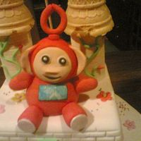 Teletubies Made this out of modelling paste(50/50). The little girl wanted teletubies on her cake.