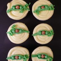 Pea In A Pod Fondant baby peas on cupcakes.