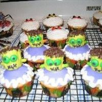 Halloween Cupcakes My favorite halloween cupcakes, Frankenstein and others. Somuch fun.