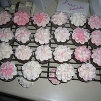 Cupcake Flowers Vanilla and chocolate cupcakes, iced with buttercream . . . used for cupcake centerpieces.
