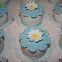 Mini Cakes For A Baby Shower