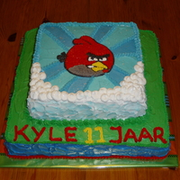 Angry Birds I made this cake for my son who celebrated his 11th b-day yesterday. Filled with strawberry's filling and oreo filling.