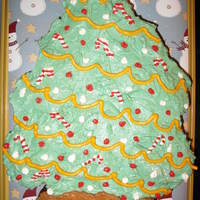 O Christmas Tree   Christmas tree cupcake cake. Lemon curd filled gingerbread cupcakes covered in cream cheese IMBC.