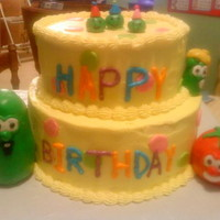 Veggie Tales The colors show up a little off on here. All I had was my phone camera and that doesn't always work the best. The cake is covered in...