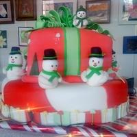 Holiday Snowmen I made this cake for a local holiday celebration this past weekend. The cake is covered in mmf, decorations are also mmf. I was pleased...