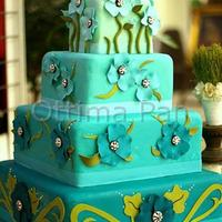 Turquoise Nature This cake was inspired by a great designer, loved how the colors turned out, also the flowers are uncommon