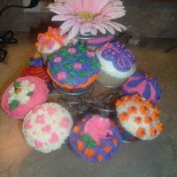 Little Girl's Cupcakes Made these for my cousin's daughter who was turning 8. She and her little brother share the same Birthday, so tried to do some cakes...