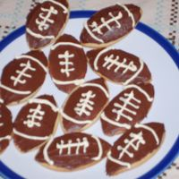 Superbowl Cookies NFSC with canned icing for a small superbowl party.