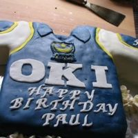 Portsmouth T- Shirt Made this T-Shirt for a friends 50:th birthday. He is a BIG Fan of Portsmouth Footballteam (England)Fruit and buttercream,Tobas fondant on...