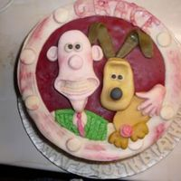 Wallace & Gromit Big big thanks to Trudi who helpt me with this cake. Filling:fresh strawberries and creame,the rest is SP