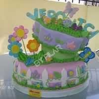 Flowers Garden Cake This cake decoration was made enterely with Fondant.
