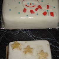 Snowman & Stars fruit cake covered with fondant.