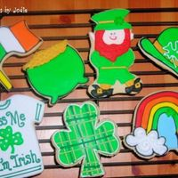 St. Paddy's Day... Some cookies I had to do for an order...most are last year's, but the leprechuan is new. (from a coloring book.) NF with royal.
