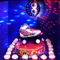 Spinning Wheels, Disco Glow, Roller Skate Cake  This is the Roller Skate cake I posted last week, I was working on, in my upset rant over the ?Free Wedding display and no gift for cousin...