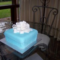 Tiffany Box The first cake I have ever made using fondant... A Tiffany jewel box with ribbon.