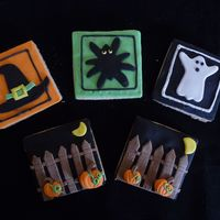 Halloween I had some Halloween cookie ideas floating around in my head and had t try them, even though it's a little early for the holiday. They...