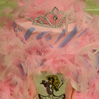 Drag Queen This was for a drag queen's birthday. He loves pink but the feathers covered up all the details around the cake. I had shoes, crowns,...