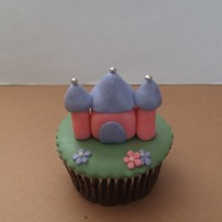 Castle Cupcake Inspired by some much fancier castle cupcakes on Flickr (by Treasures and Tiaras). I just had some left over stuff from another project and...