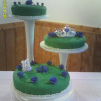 Sweet Fifteen Green Satin Ice, purple Satin Ice flowers and ponque cake