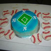 Yankees Dimond Did this cake for an 8 yr old yankee fan. One of the first cakes I did while still learning.